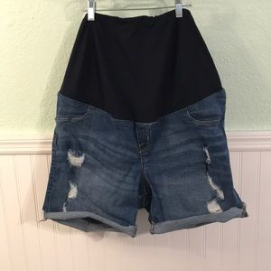 Isabel maternity shorts